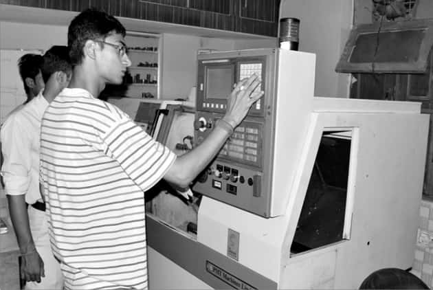 cnc-training-manesar-cnc-operate